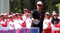 Melihat Keseruan Jokowi Main Tenis Meja