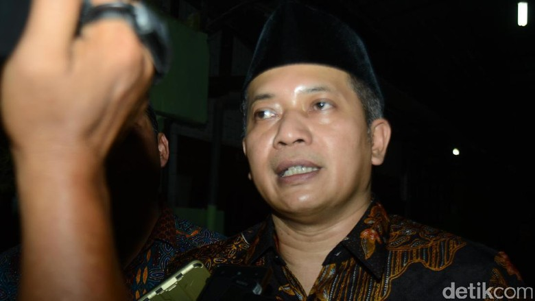 Lawan Ferry Juliantono Disarankan Naikkan - Jakarta Lingkaran Survei Indonesia Denny JA merilis elektabilitas para kandidat pemilihan gubernur Jawa Masih ada persen lebih responden
