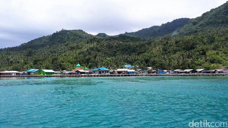 Laut Natuna memang terkenal kaya akan ikan dan keindahan alamnya. Hamparan langit biru membuat kawasan ini juga sangat indah dipandang mata (Eduardo Simorangkir/detikTravel)