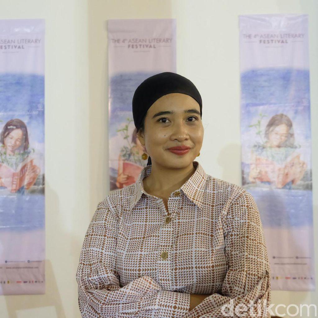 Perdana Tulis Buku Anak, Ini Siasat Okky Madasari