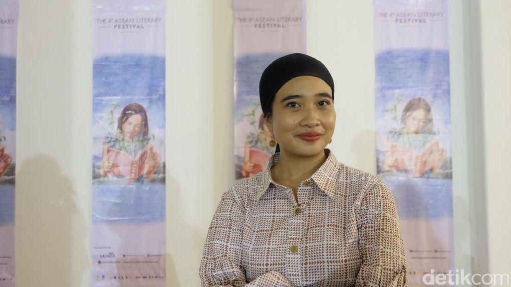 Kumcer Okky Madasari Terinspirasi dari Peristiwa Sehari-hari