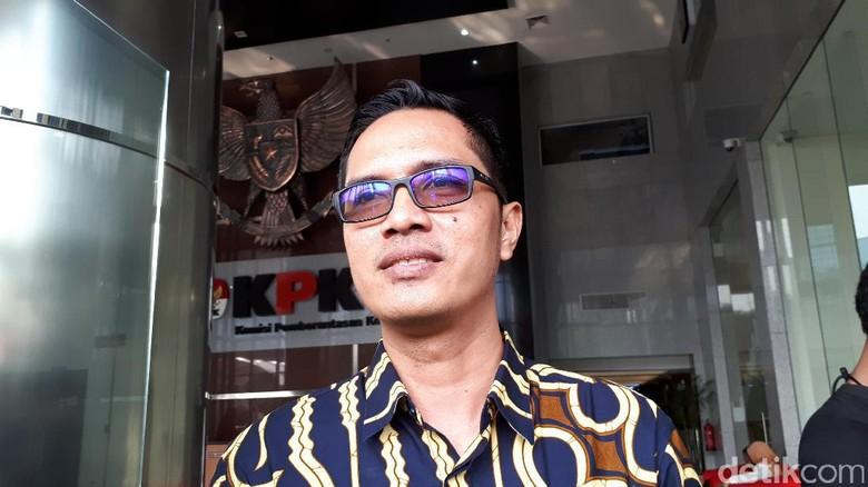 KPK Cermati Putusan Banding Terdakwa - Jakarta KPK belum menerima salinan putusan Pengadilan Tinggi DKI Jakarta yang memperberat hukuman uang pengganti Irman dan terdakwa