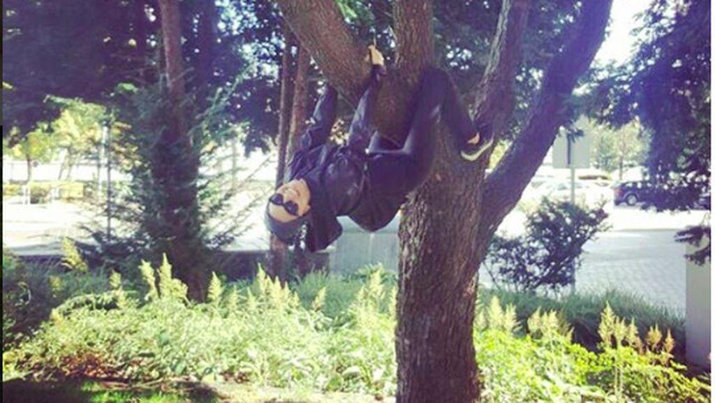 Foto: Panjat Pohon Saja Bisa, Raline Shah Olahraganya Apa Sih?