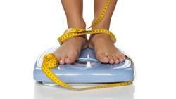 Memastikan bisa tidur nyenyak di malam hari banyak sekali manfaatnya. Salah satunya berhubungan dengan berat badan serta komposisi lemak tubuh.