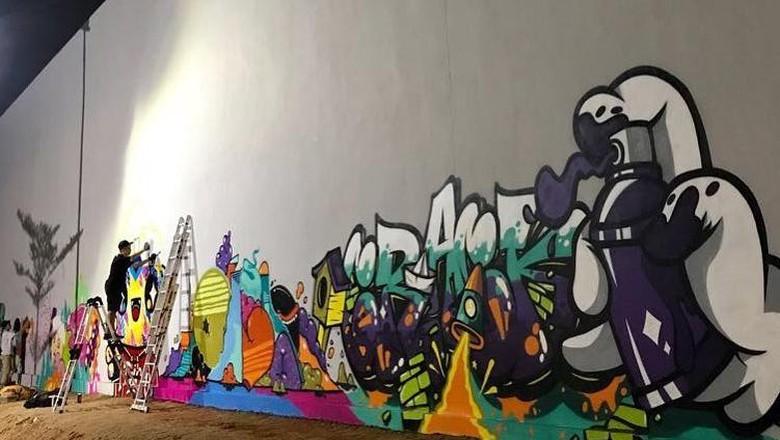 Empat Seniman Jakarta dan Bandung Bikin Mural di RPTRA Kalijodo