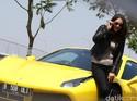 Kesan Pertama Dewi Gilang Mencoba Ferrari