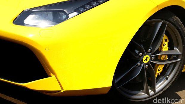 Desain lampu  Ferrari 488 Spider