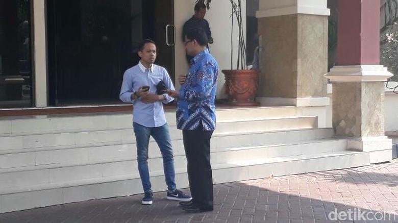 Temui Kajari Jakpus, Acho Minta Pelimpahan Berkas Tunggu Mediasi