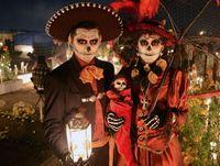 Masyarakat dan face art dalam Dia de Muertos (Reuters)