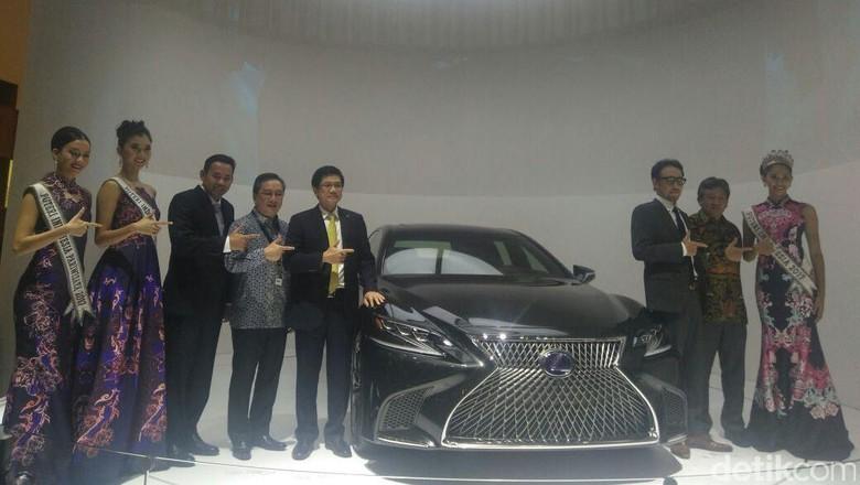 Istimewa, Lexus Luncurkan Mobil yang di Jepang pun Belum Ada