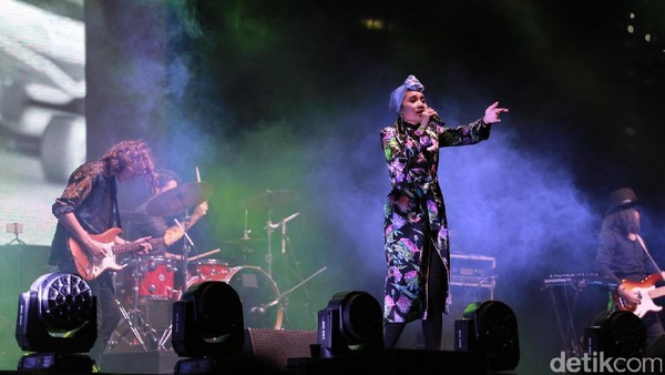 Manis! Penampilan Yuna di We The Fest 2017