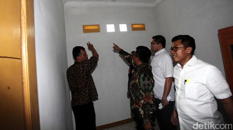 Foto: Pansus Angket KPK Cek Safe House di Depok