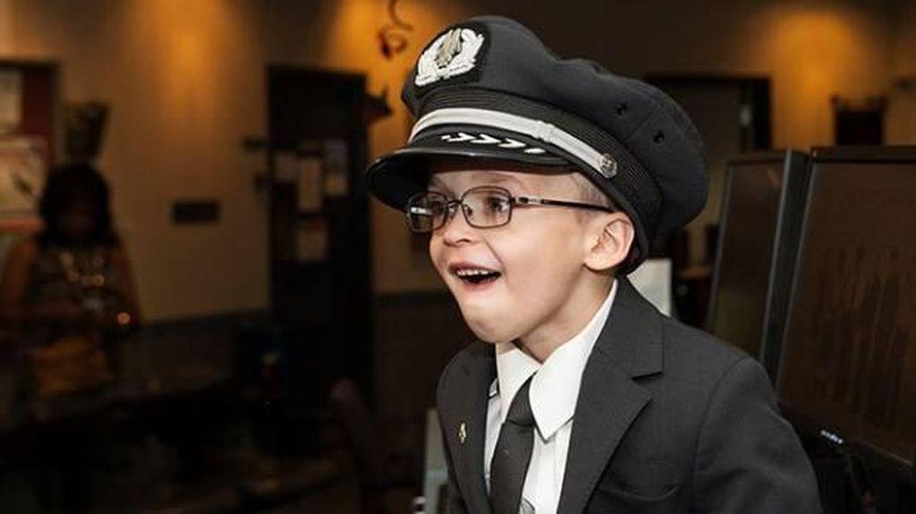 Bocah dengan Kelainan Jantung Mimpi Jadi Pilot, Ini yang Terjadi