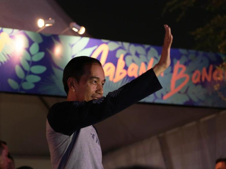 Jokowi Tonton Kodaline di Tempat VVIP We The Fest