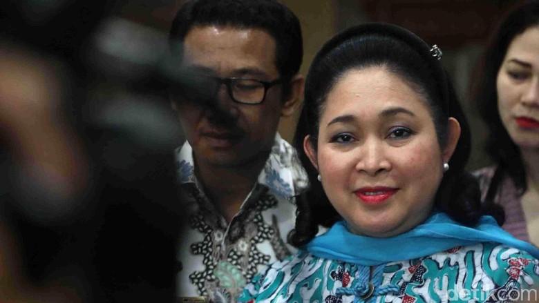 Titiek Soeharto Minta Novanto Mundur dari Ketum Golkar