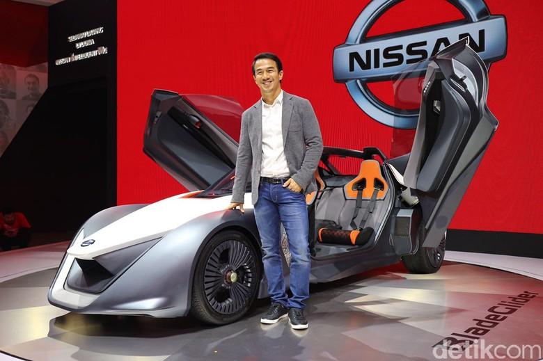 Joe Taslim Kepincut Mobil Listrik Super dari Nissan