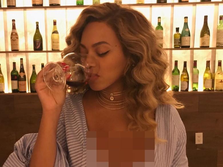 Unggah Foto Minum Wine Pasca Punya Anak Kembar, Beyonce Dihujat