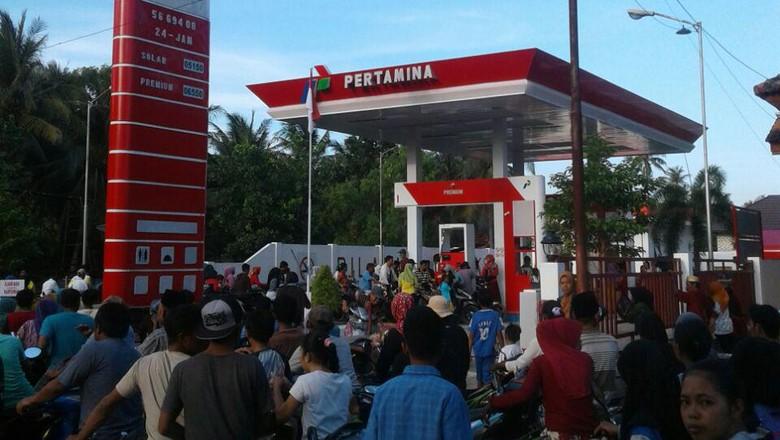 Dihadang Ombak, Pertamina Kesulitan Kirim BBM ke Pulau Masalembu