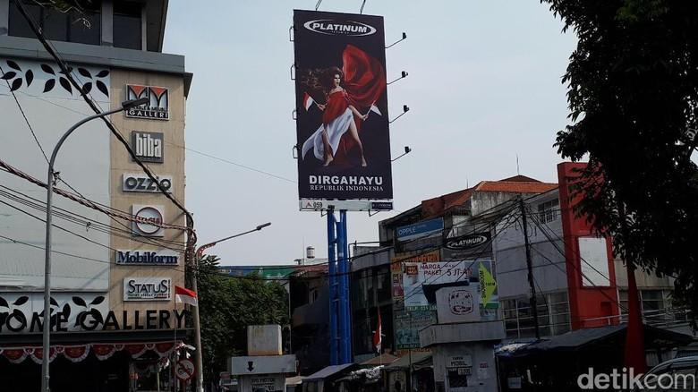 Platinum Minta Maaf Atas Iklan HUT RI dengan Model Pamer Paha