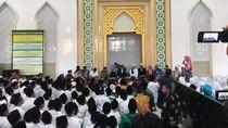 So Sweet! Jokowi Dapat Puisi dari Santri Ponpes Nurul Islam Jember