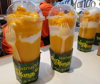 Big mango yang dijual dengan harga Rp 50.000 per gelas.
