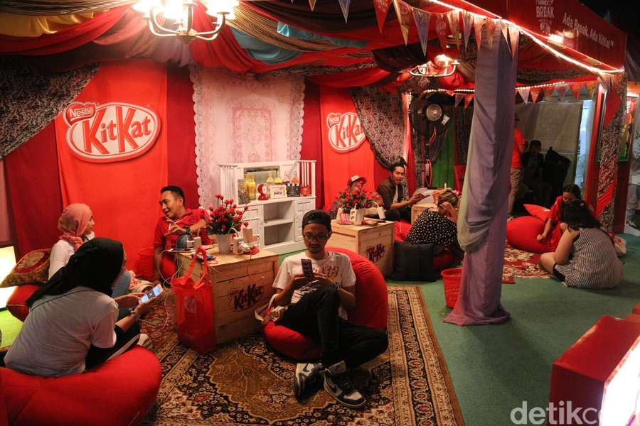 Keseruan di Art Village We The Fest 2017