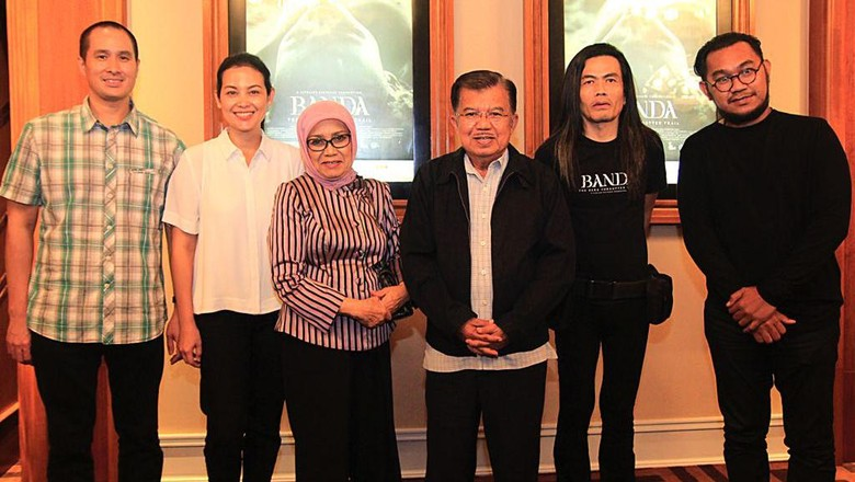 Jusuf Kalla Nonton Bareng Banda The Dark Forgotten Trail