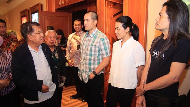 Jusuf Kalla Nonton Bareng 'Banda The Dark Forgotten Trail'