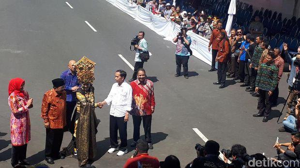 Jokowi bersama Menpar Arief Yahya