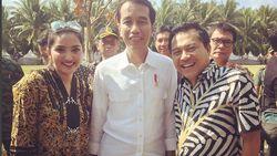 Saat Ashanty dan Anang Foto Bareng Jokowi Sambil Tersenyum Lebar