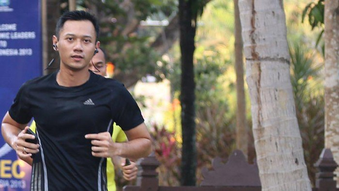 Olahraga kaki bisa menjaga postur tubuh ideal. Dalam beberapa kesempatan, Agus Yudhoyono tampak terlibat dalam acara lari di komunitas runners yang ada. Foto: Instagram/@agusyudhoyono