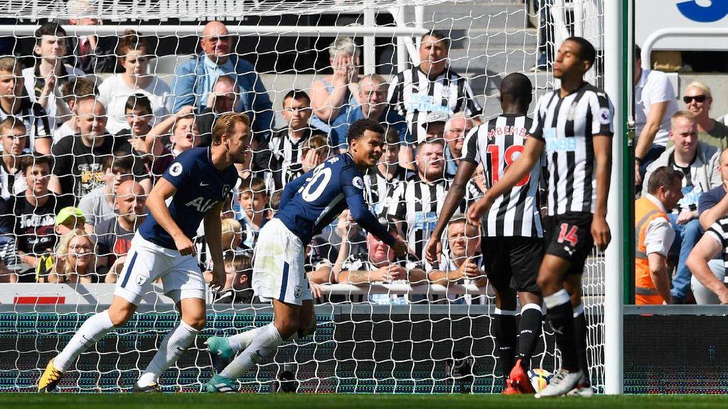 Spurs Kalahkan 10 Pemain Newcastle 2-0