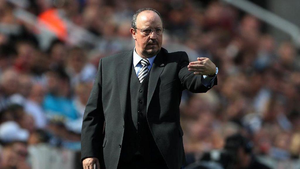 Benitez Bahas Empat Trofinya di Liverpool, Mau Psy War ke Klopp?