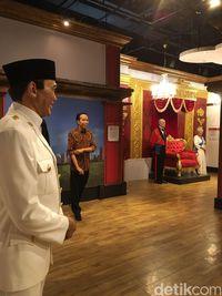 Patung Jokowo Berdekatan dengan Soekarno/