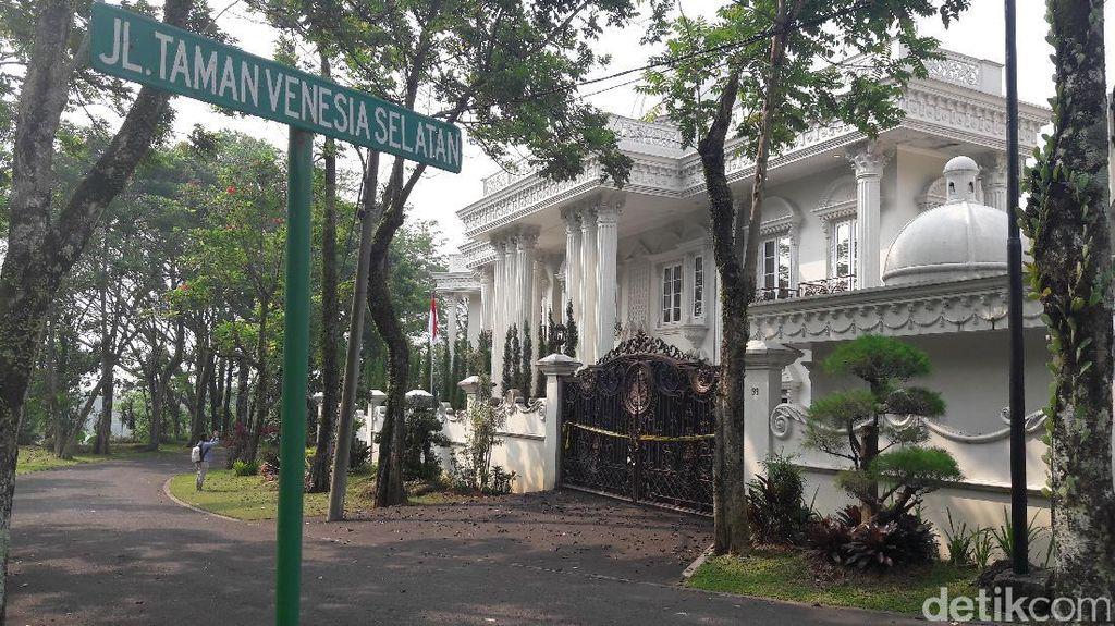 Rumah Glamor Bos First Travel yang Jadi Jaminan Utang Rp 80 Miliar