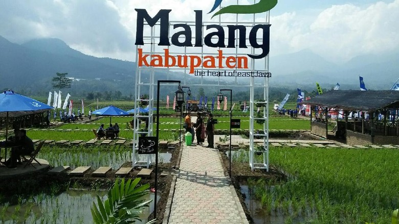 Logo branding Kabupaten Malang dipasang objek wisata (Muhammad Aminudin/detikTravel)