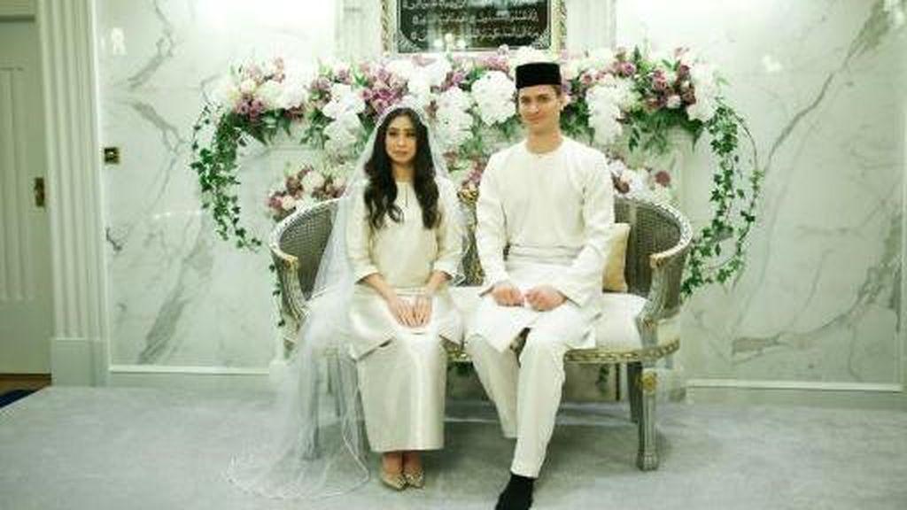 Putri Sultan Johor Nikahi Pria Belanda yang Jadi Mualaf