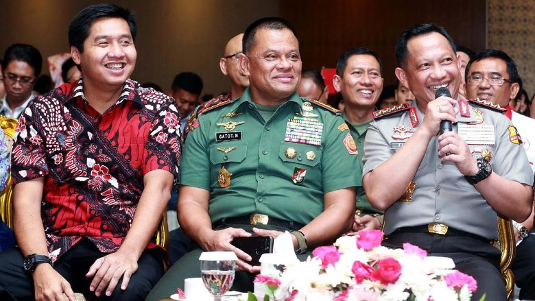 Kapolri dan Panglima TNI Hadiri Simposium Nasional