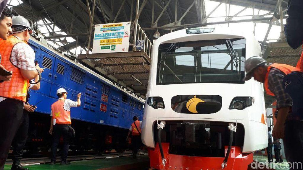 Jokowi Resmikan Kereta Bandara Soekarno-Hatta Awal Desember
