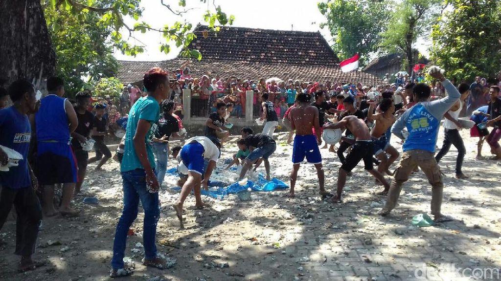 Tawur Nasi, Tradisi Unik Tolak Bala di Rembang