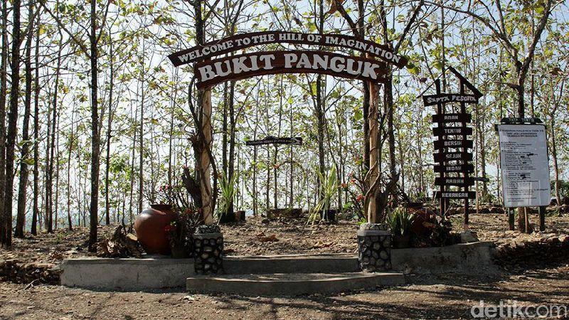 Bukit Panguk juga dikenal dengan nama lengkap Bukit Panguk Kediwung. Lokasinya berada tak jauh dari Kebun Buah Mangunan yang sama-sama ada di Bantul (Randy/detikTravel)