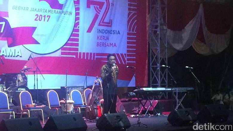 Nyanyikan Lagu Keroncong, Djarot Buka Gebyar Jakarta Merah Putih