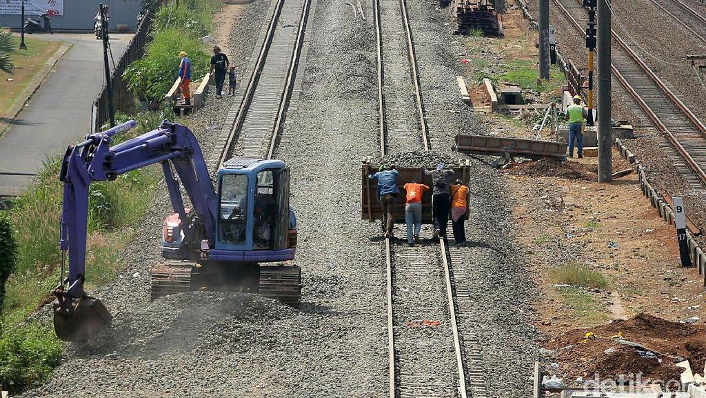 Jokowi Punya 23 Proyek Strategis Kereta Api Begini Perkembangannya