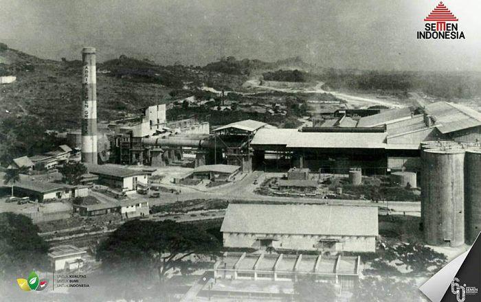 Di awal peresmiannya, kapasitas terpasang pabrik semen sebesar 250.000 ton per tahun. (dok. Semen Indonesia)