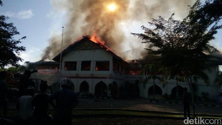 Kebakaran Gedung Rektorat Unimal Aceh, 1 Orang Ditangkap
