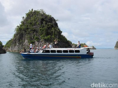 Harga BBM di Papua Sama dengan di Jawa, Bagaimana Biaya Liburan ke Raja Ampat?