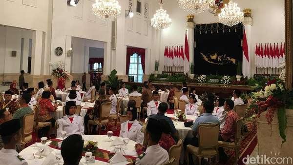 Cerita Jokowi Saat Lupa Momen Upacara HUT RI di Istana