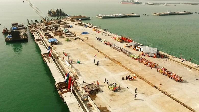 Pembangunan Pelabuhan Kuala Tanjung Capai 92%