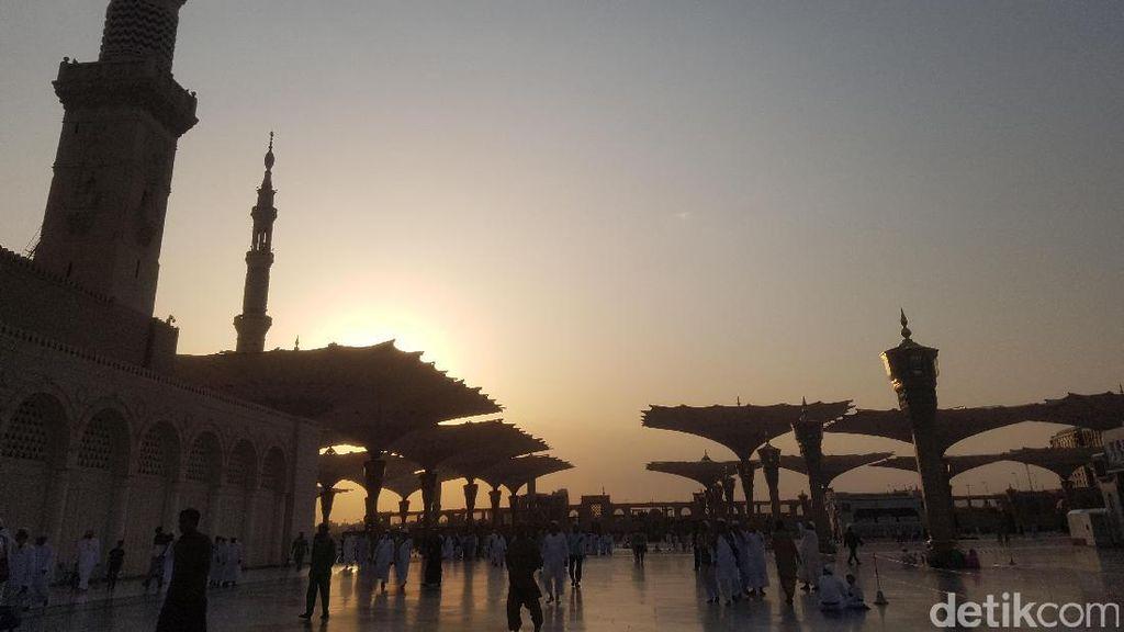 Jemaah Umrah Jangan Takut Kena Pajak di Saudi, Bisa Refund Kok