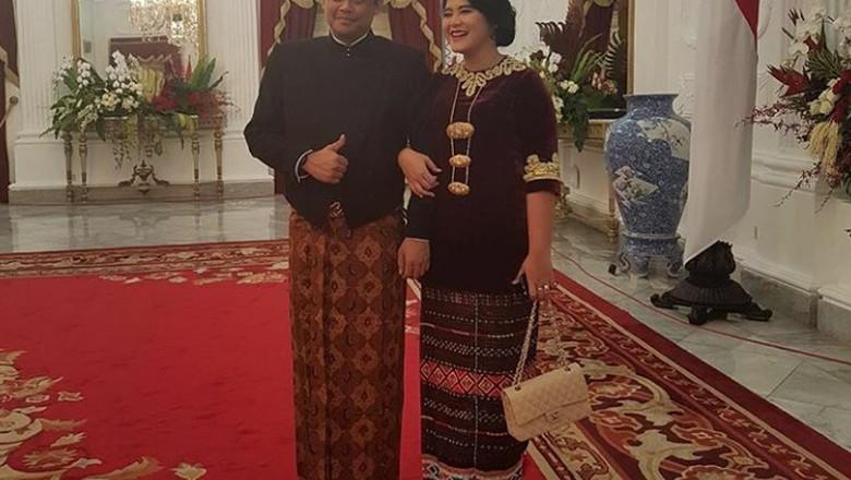 Hadiri Upacara di Istana, Kahiyang Unggah Foto Bersama Calon Suami